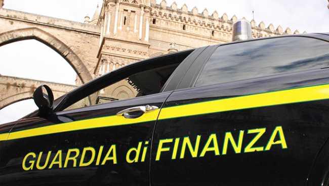 guardia finanza fianco