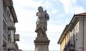 borgo statua madonna