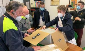 vaccino covid scatole apertura