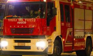 vigili fuoco notte camion